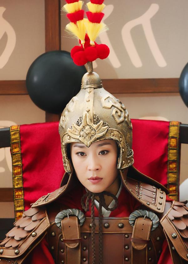 苗圃《骊歌行》热播 从穆桂英到皇后再见演员本心