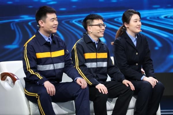 """《我们的新时代》结缘""""北斗"""",他们带你了解中国""""北斗卫星""""到底多牛?"""
