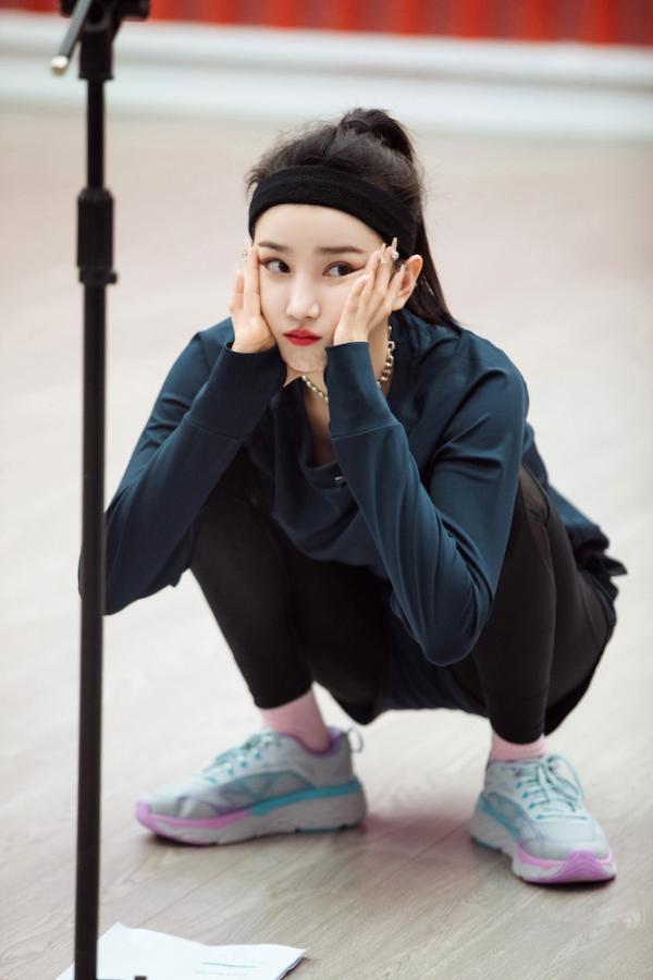陈小纭《乘风破浪的姐姐》第二季五公开练 练习室小考姐姐们互拼实力