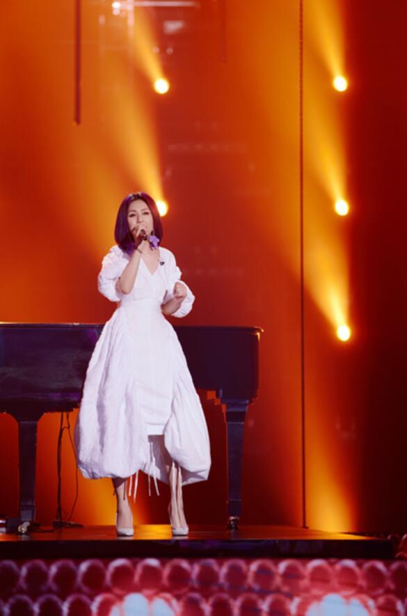 杨千嬅《为歌而赞》再唱经典金曲 重现春娇经典台词