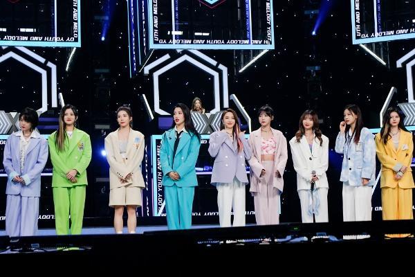 《金曲青春》SNH48丝芭家族演绎《什么是快乐星球》 传递快乐能量
