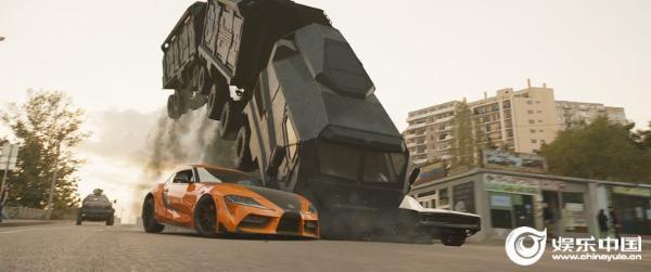 《速度与激情9》首周末登顶全球票房冠军 内地轻松飙破9亿