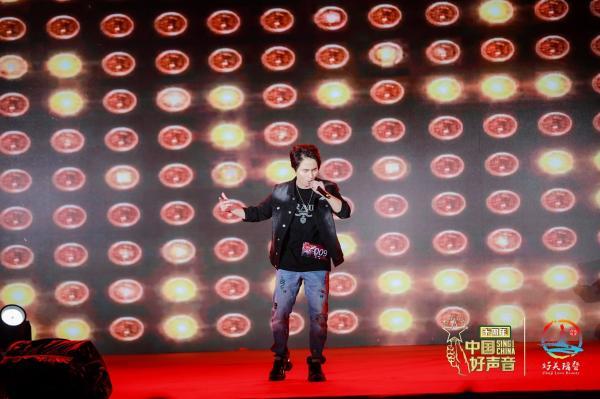 音乐人陈浩东力夺中国好声音诸暨赛区冠军