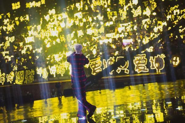 蔡徐坤官宣燕京啤酒品牌代言人,权威榜单代言效果热度指数高居不下