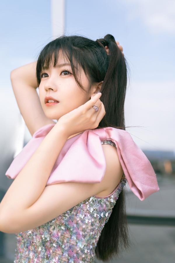 赖美云首专新歌《仲夏幻想谱》上线 谱写夏日心情唱出少女情怀
