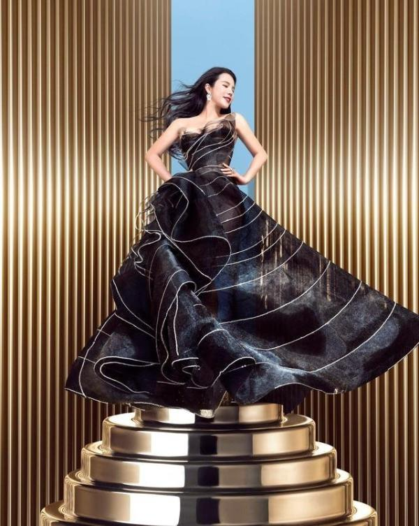 """余晚晚创中国首个奢侈品艺术彩妆 引领东方美学""""美力无界"""""""