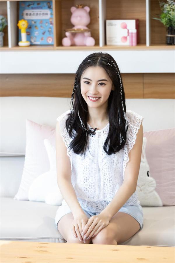 江苏卫视《阳光姐妹淘》第二季即将开播,首期嘉宾张柏芝坦言想生四胎