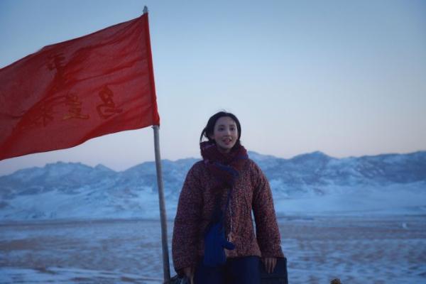 彭小苒《理想照耀中国》之《我们的乌兰牧骑》开播 被赞细节满分感染力十足