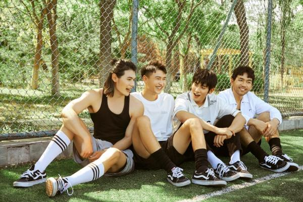 夏日悠长 青春一场 F4ST轰动男团单曲《夏天与少年》今日上线
