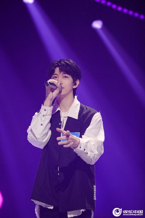 《谁是宝藏歌手》同曲对唱新模式 凡宇获推荐人联名舞台机会