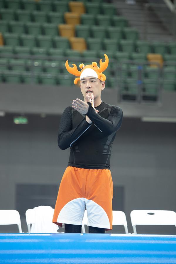 王耀庆《牛气满满的哥哥》频出名场面 话题度飙升再登热点榜