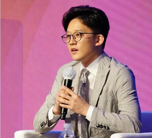 Dispatch独立运营人何嘉璐出席第二届世界文化产业论坛,并发表主题演讲