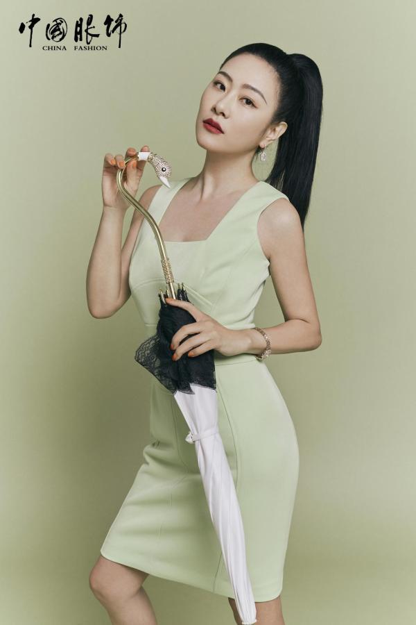 李慧珍跨界演戏 新剧《我的同桌又上热搜了》挑战母亲角色