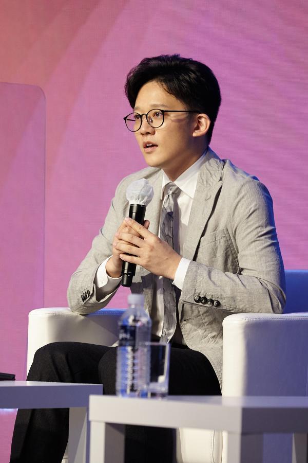 """人工智能专家胡郁大赞李秀满的事业规划 表示""""在科学的娱乐事业方面科大讯飞想助一臂之力"""""""