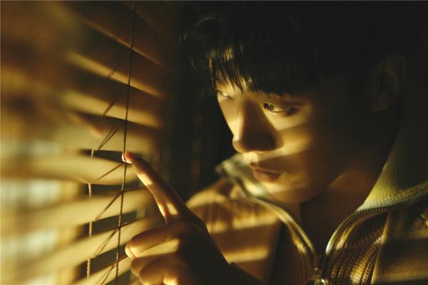 高嘉朗全新EP单曲《整洁》上线 归置内心疗愈自我
