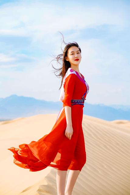 2021世界旅游小姐巴彦淖尔拍摄沙漠大片