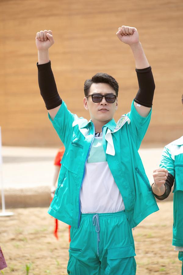 王耀庆回归牛气满满的哥哥 双综霸屏登热搜榜单