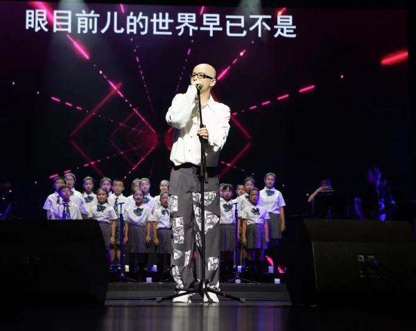 """平安《我爱你中国》演唱会厦门站回忆""""好声音""""初识舞台"""
