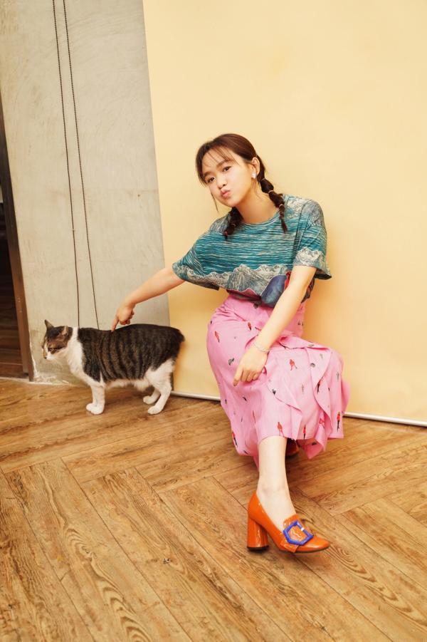 严正岚献唱奇幻甜宠迷你剧《我的老板是只猫》歌曲
