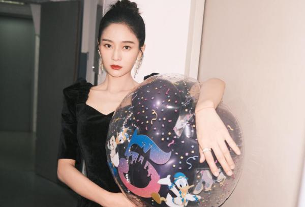 王媛可出席《我是真的爱你》发布会 剖析角色性格分享拍摄趣事