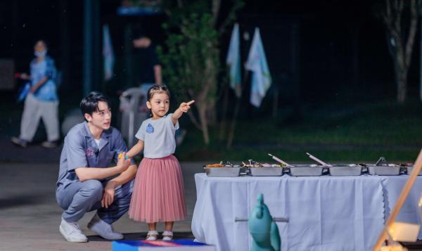《不要小看我》第三期今晚开播 张萌许魏洲挑战带娃状况百出