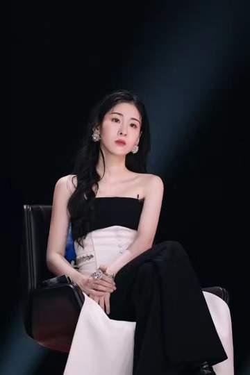 张碧晨登《谁是宝藏歌手》,《孤独患者》神仙合唱