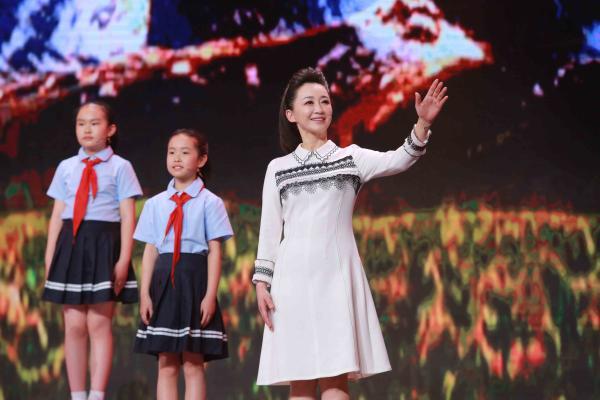 """《快乐大巴》让青少年看懂""""课本里的中国"""" (7).jpg"""