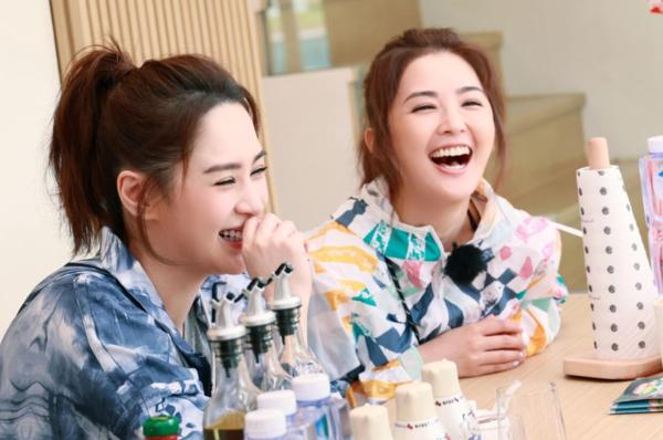 """《完美的夏天2》Twins组合无惧挑战""""魔鬼秋千"""",利路修内心挣扎"""