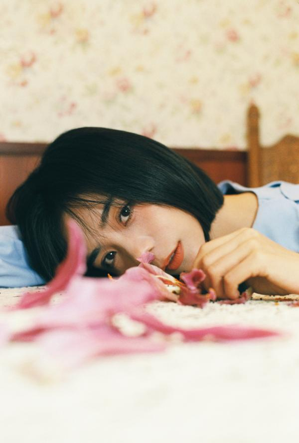 金玟岐新专首支单曲《生日快乐》上线 治愈暖嗓声动人心