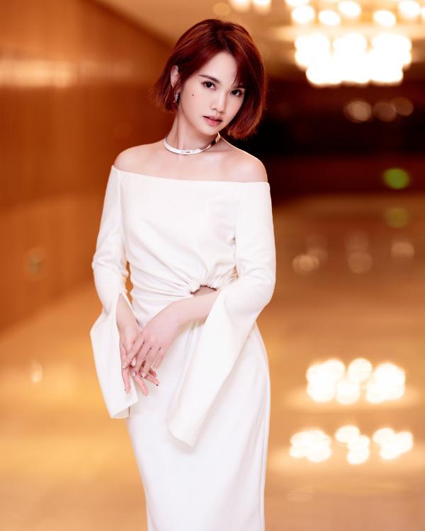 杨丞琳倾情献唱经典情歌 全程开麦沉浸舞台