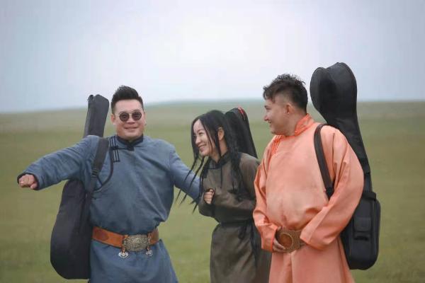 斯琴格日乐加盟电影《阿尔斯楞》 诉说草原上的爱情故事