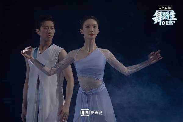 《舞蹈生》梦之队导师团为舞蹈生加油打劲 罗一舟示范舞台超惊艳