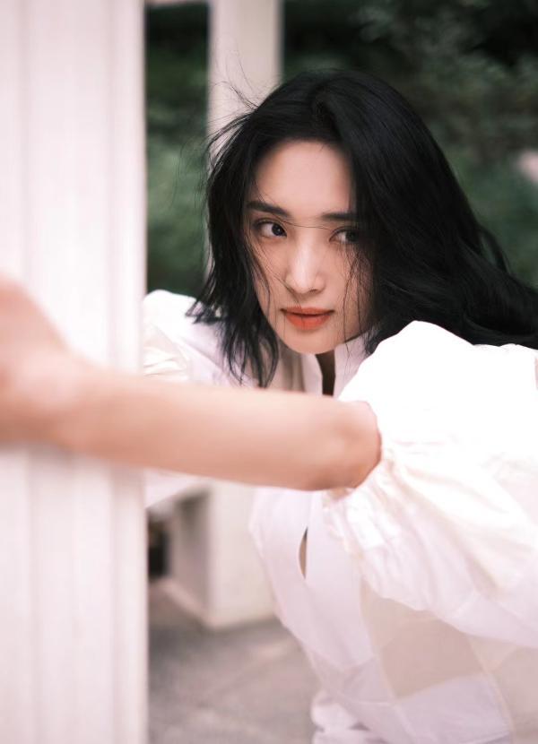 王紫璇全新单曲《小小年纪》惊喜上线 回首如痴如醉的少年时光