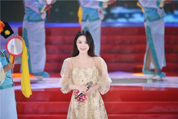 清原女孩绽放嘹亮歌声,繁星互娱歌手宋雅萌圆梦《星光大道》舞台