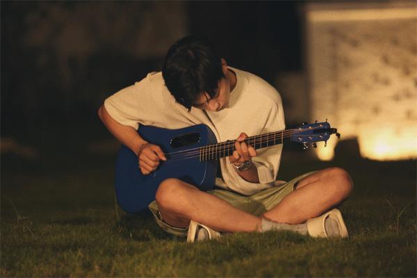 高嘉朗新歌《公式爱情》上线 深度探讨爱情意义寻找答案