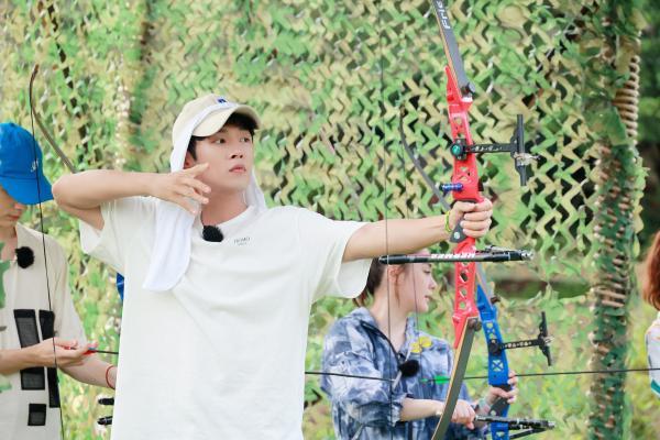《完美的夏天2》李汶翰于小彤阿Sa比射箭换头像 宋威龙越野过足瘾