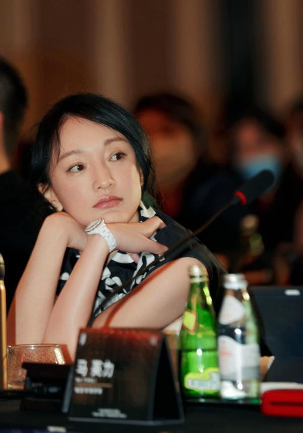 周迅亮相西宁助阵第15届FIRST青年电影展 担任电影市场终审评委