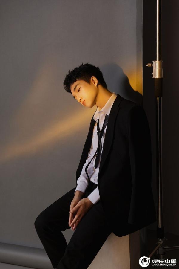 音樂才子趙家豪原創新歌《在你身后》全網上線 溫暖男聲治愈陪伴