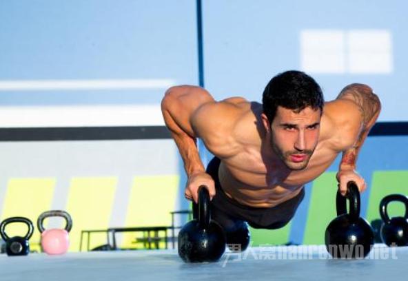 锻炼胸肌的好方法 为你的女友提供更多的安全感