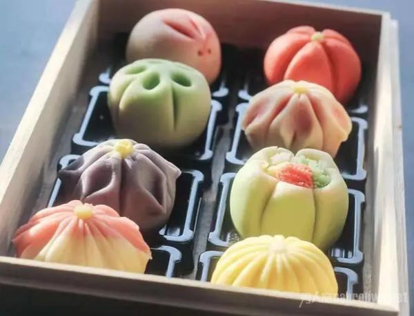 和果子 和果子是特色的糕点中颜值最高的一款,不仅可爱还美味.