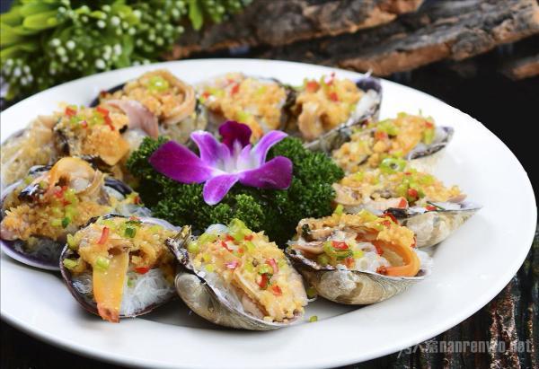 尝遍中国各地特色美食 让我们一起做一只快乐的吃货