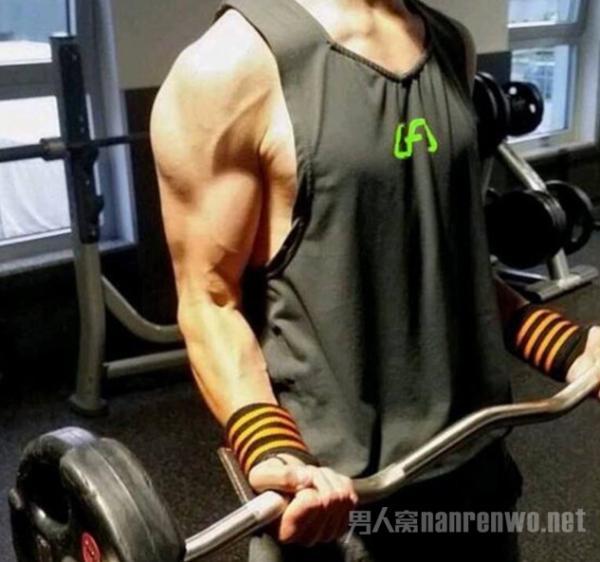 超简单男士健身方法分享 不用去健身房就可随时健身