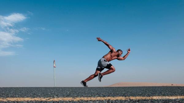 男士坚持跑步的好处 长期坚持跑步跑出健康跑出精彩