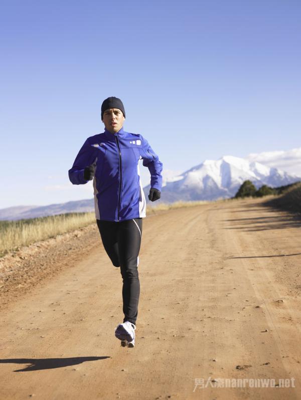 男士在什么时间跑步最好?早上跑步好还是晚上跑步好?