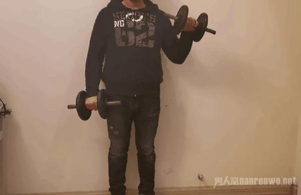 怎样练前臂力量 只需3个动作 就能让你的手臂更有型