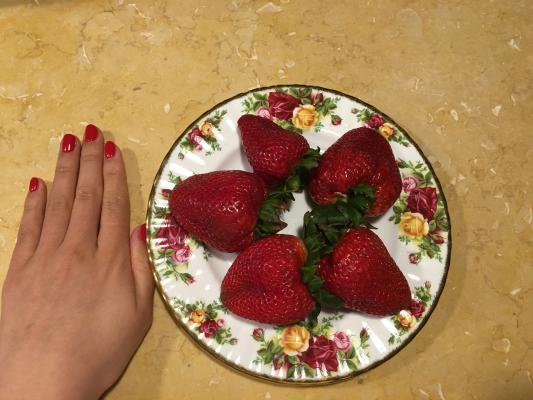 如何挑选草莓