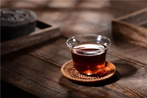 普洱毛茶烘干茶好,还是晒干茶好?