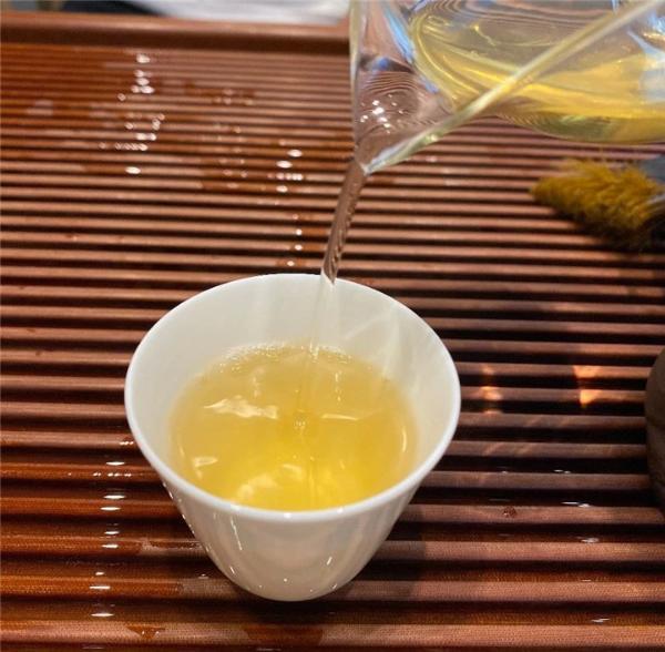 每天用茶水代替水,会有什么后果?(内含物质对身体的影响)
