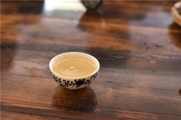 针对看不见摸不着的茶叶,我们该如何挑选?