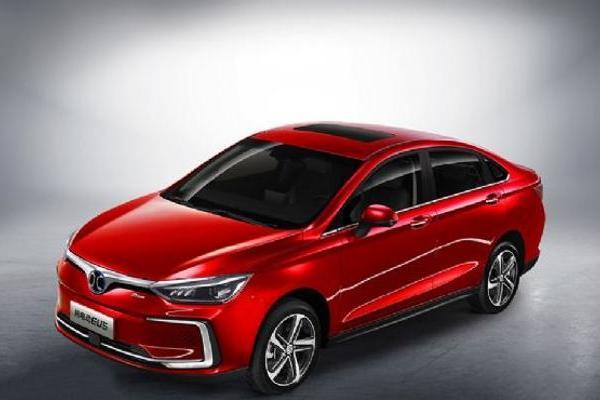 新款奥迪RS 4 Avant官图发布 造型更激进 10月底欧洲上市